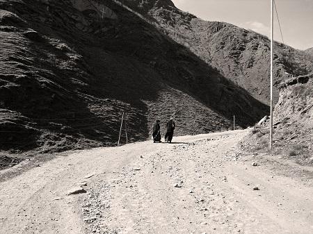 road from Stepantsminda